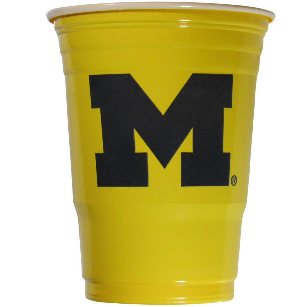 Michigan Wolverines Plastic Game Day Cups 2 sleeves of 18 (36 Cups) - Our 18 ounce game day cups are what every tailgating or backyard events needs! The cups feature a big Michigan Wolverines logo so you can show off your team pride. The popular 18 ounce size is perfect for drinks or ping pong balls! 2 sleeves of 18 cups, 36 cups in total.
