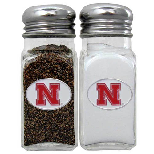 Salt & Pepper Shakers - Nebraska Cornhuskers - Our collegiate salt and pepper set is a great addition to any tailgating event or backyard BBQ. Thank you for shopping with CrazedOutSports.com