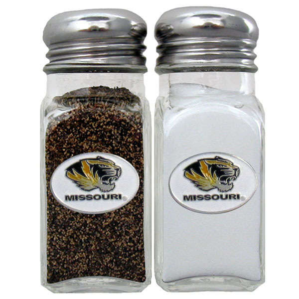 Missouri Tigers Salt and Pepper Shaker - Our diner replica salt and pepper shakers are the perfect addition to any tailgating or homegating event! The glass shakers have screw on metal tops and feature the Missouri Tigers logo on each shaker
