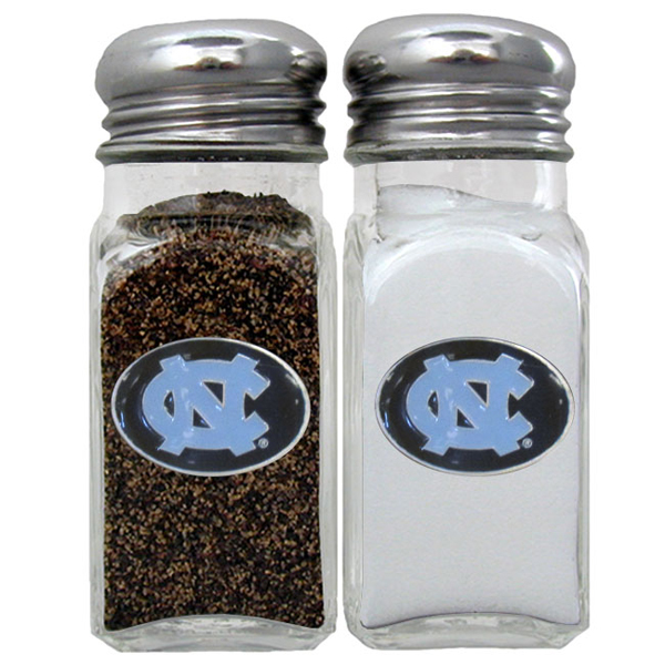 N. Carolina Tar Heels Salt and Pepper Shaker - Our diner replica salt and pepper shakers are the perfect addition to any tailgating or homegating event! The glass shakers have screw on metal tops and feature the N. Carolina Tar Heels logo on each shaker