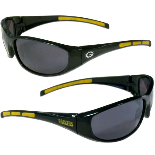Green Bay Packers wrap Sunglasses - These sporty looking Green Bay Packers wrap Sunglasses have the Green Bay Packers logo screen printed on both sides of the frames. The wrap sunglass arms feature rubber Green Bay Packers colored accents. Look great in our Green Bay Packers sports memorabilia while rooting for your favorite sports team. Officially licensed NFL product Licensee: Siskiyou Buckle .com