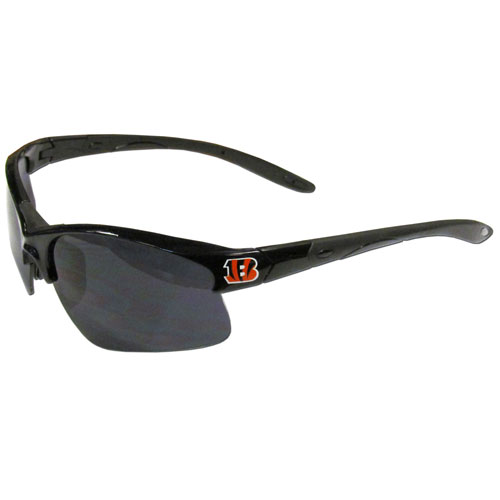 Cincinnati Bengals Blade Sunglasses - Officially licensed blade sunglasses have the Cincinnati Bengals screen printed on both sides of the frames. Look stylish wearing Cincinnati Bengals sports memorabilia sunglasses with arms that feature rubber colored accents and UV400 protection. Officially licensed NFL product Licensee: Siskiyou Buckle .com