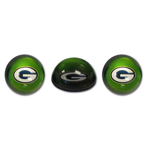 Green Bay Packers Crystal Magnet Set - Green Bay Packers crystal magnet set is a great way to dress up any metal surface. The Green Bay Packers magnets are cut from water clear glass and feature crisp Green Bay Packers graphics that reflect off of the dome create a striking 3D effect from any angle. Officially licensed NFL product Licensee: Siskiyou Buckle .com