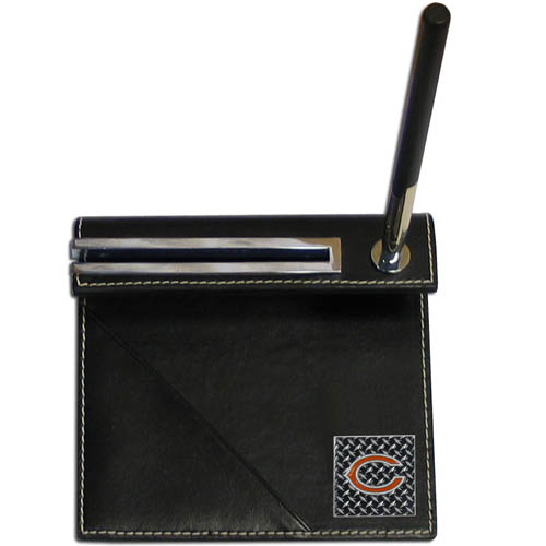 Chicago Bears Gridiron Desk Set - Our officially licensend NFL Chicago Bears gridiron desk set features a slot for a note pad, a slot for your business cards and comes with a stylish pen. The set shows off your Chicago Bears pride with a hand enameled gridiron Chicago Bears team emblem. Officially licensed NFL product Licensee: Siskiyou Buckle .com