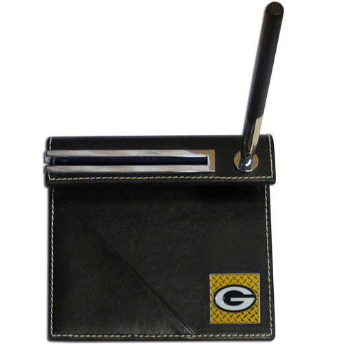 Green Bay Packers Gridiron Desk Set - Our officially licensend NFL Green Bay Packers gridiron desk set features a slot for a note pad, a slot for your business cards and comes with a stylish pen. The set shows off your Green Bay Packers pride with a hand enameled gridiron Green Bay Packers emblem. Officially licensed NFL product Licensee: Siskiyou Buckle .com