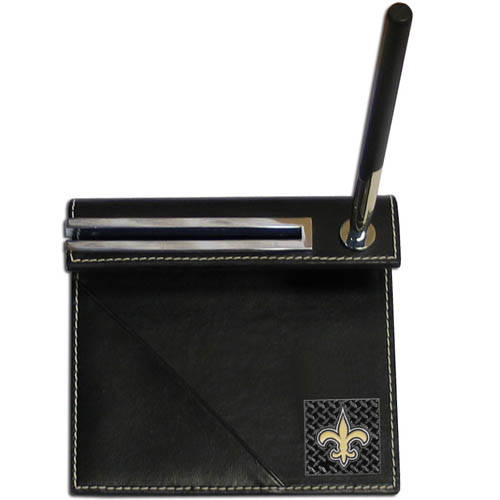 New Orleans Saints Gridiron Desk Set - Our officially licensend NFL New Orleans Saints gridiron desk set features a slot for a note pad, a slot for your business cards and comes with a stylish pen. The set shows off your New Orleans Saints pride with a hand enameled gridiron New Orleans Saints emblem. Officially licensed NFL product Licensee: Siskiyou Buckle .com