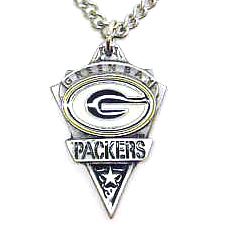 NFL Chain Necklace and Pendant - Green Bay Packers - Chain Necklace with Enameled Team Pendant - Green Bay Packers   Officially licensed NFL product Licensee: Siskiyou Buckle .com
