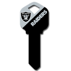 Kwikset NFL Key - Oakland Raiders - NFL house keys are a great way to show team spirit while keeping keys organized.  keys can be cut to fit your home or office at the local hardware store or locksmith.  Style pre-fix FQK can be cut to fit Kwikset keys (reference pre-fix FSK for Schlage key). Officially licensed NFL product Licensee: Siskiyou Buckle Thank you for visiting CrazedOutSports.com