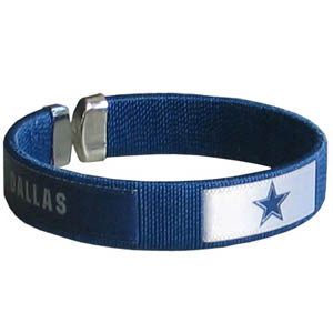 Dallas Cowboys Fan Band Bracelet - Our NFL Dallas Cowboys fan band is a one size fits all string cuff bracelets with a screen printed ribbon with the Dallas Cowboys name and Dallas Cowboys logo. Officially licensed NFL product Licensee: Siskiyou Buckle Thank you for visiting CrazedOutSports.com