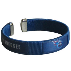 Tennessee Titans Fan Band Bracelet - Our NFL Tennessee Titans fan band is a one size fits all string cuff bracelets with a screen printed ribbon with the Tennessee Titans name and Tennessee Titans logo. Officially licensed NFL product Licensee: Siskiyou Buckle .com