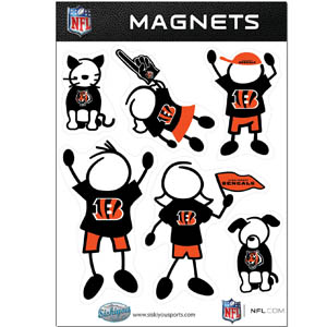 Cincinnati Bengals Family Magnets - Our Cincinnati Bengals family magnet set has father, mother, daughter, son, dog and cat all showing off their Cincinnati Bengals pride! Officially licensed NFL product Licensee: Siskiyou Buckle .com