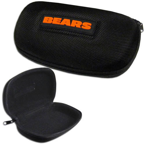 Chicago Bears Zippered Sunglass Case - Chicago Bears NFL hard sunglass cases are a great way to protect your Chicago Bears sunglasses. The hard molded shell protects the glasses from being crushed or damaged from dropping. The zippered closure prevents accidental opening and the soft lining protects the lenses from scratches. Officially licensed NFL product Licensee: Siskiyou Buckle .com