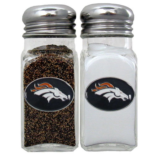 Salt & Pepper Shaker - Denver Broncos - Our NFL salt and pepper set is a great addition to any tailgating event or backyard BBQ. Officially licensed NFL product Licensee: Siskiyou Buckle Thank you for visiting CrazedOutSports.com