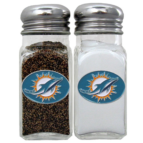 Salt and Pepper Shaker - Miami Dolphins - Our NFL salt and pepper set is a great addition to any tailgating event or backyard BBQ. Officially licensed NFL product Licensee: Siskiyou Buckle .com