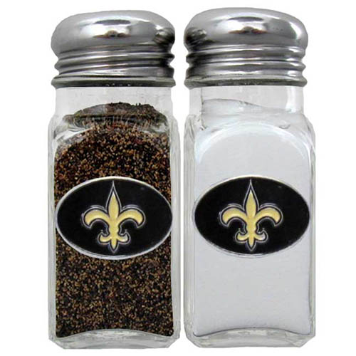 Salt and Pepper Shaker - New Orleans Saints - Our NFL salt and pepper set is a great addition to any tailgating event or backyard BBQ. Officially licensed NFL product Licensee: Siskiyou Buckle .com
