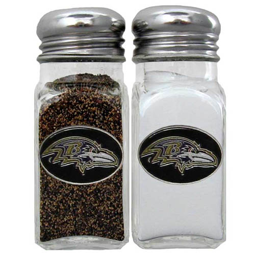 Salt and Pepper Shaker - Baltimore Ravens - Our NFL salt and pepper set is a great addition to any tailgating event or backyard BBQ. Officially licensed NFL product Licensee: Siskiyou Buckle .com