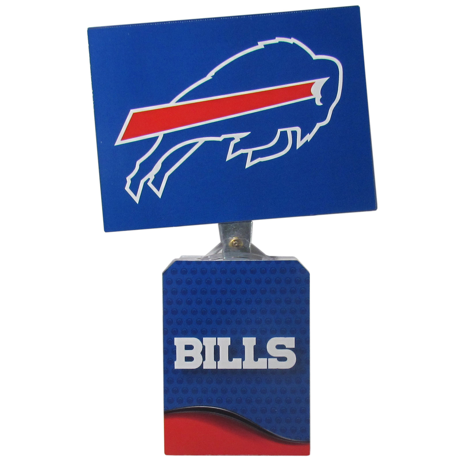 Buffalo Bills Solar Flags - Get pumped up on the way to game with Siskiyou's Chicago Bears Buffalo Bills Solar Flag that mounts to your dashboard or window. The in-motion solar flag also doubles as decoration for your tailgate or homegate! The base of the flag is 3 inches tall and the flag is 4 inches making the entire in-motion solar flag stand at 7 inches tall. Keep your spirit moving with your favorite team's Solar Flag.