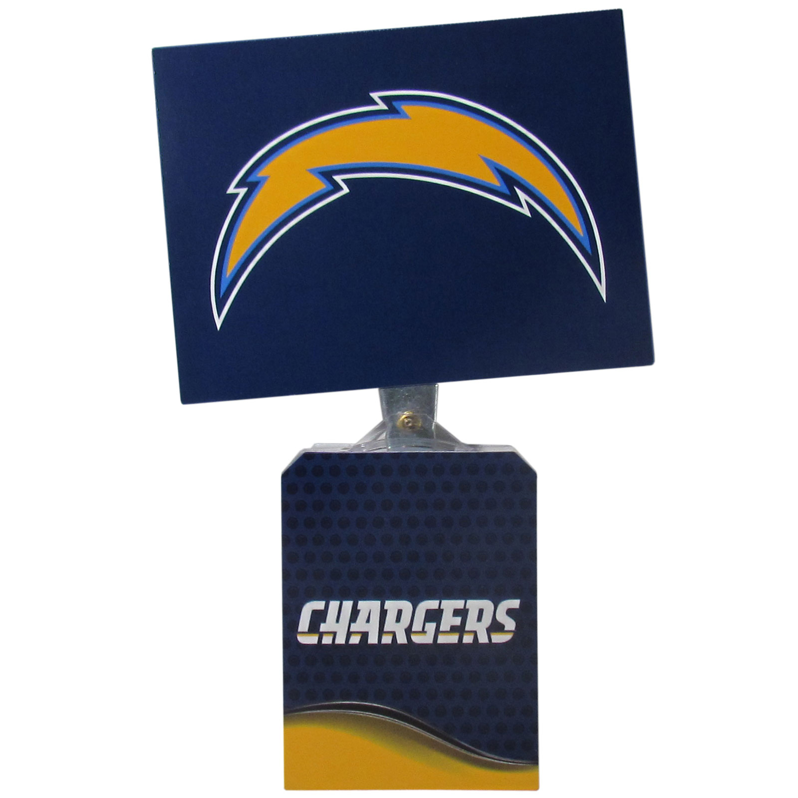 Los Angeles Chargers Solar Flags - Get pumped up on the way to game with Siskiyou's Chicago Bears Los Angeles Chargers Solar Flag that mounts to your dashboard or window. The in-motion solar flag also doubles as decoration for your tailgate or homegate! The base of the flag is 3 inches tall and the flag is 4 inches making the entire in-motion solar flag stand at 7 inches tall. Keep your spirit moving with your favorite team's Solar Flag.
