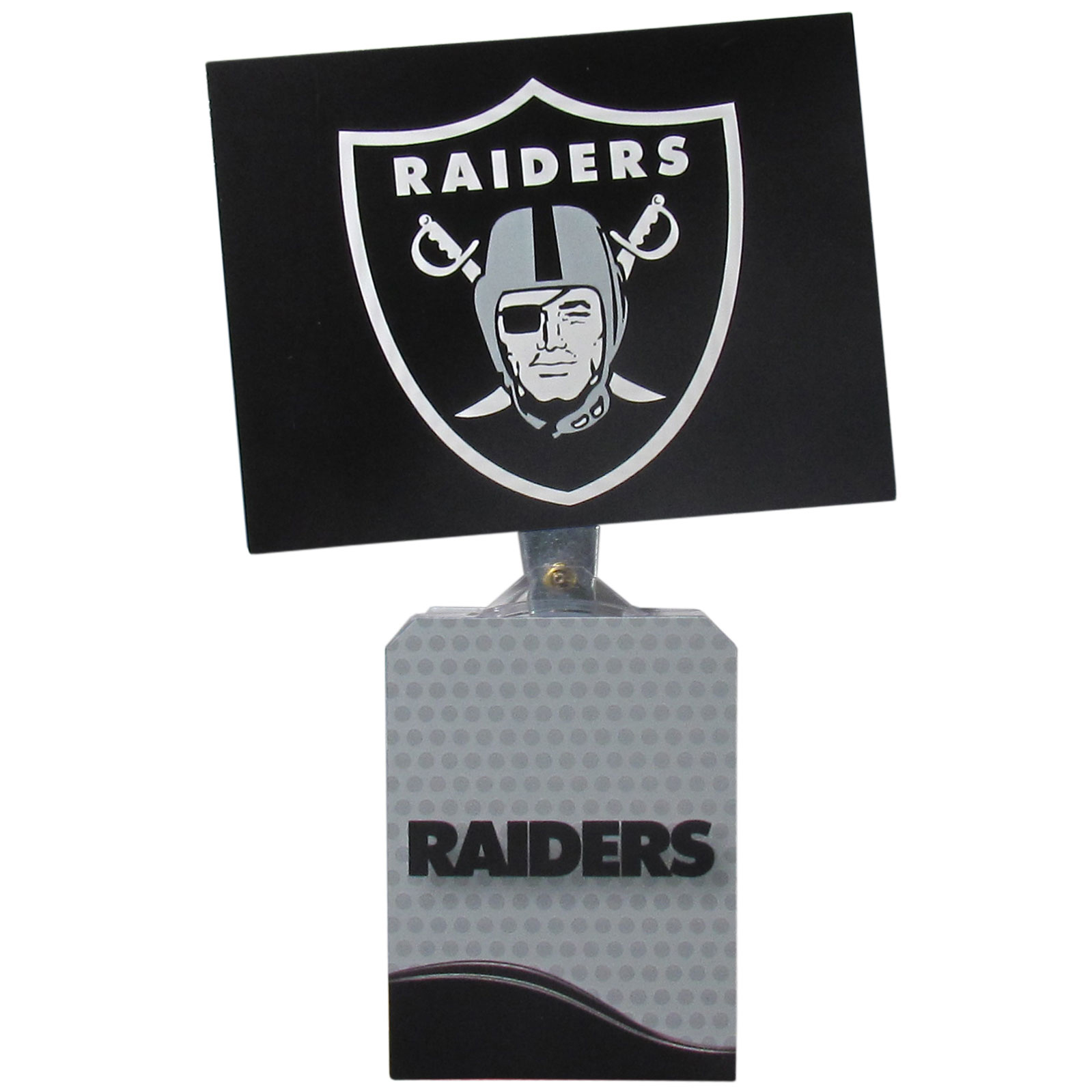 Oakland Raiders Solar Flags - Get pumped up on the way to game with Siskiyou's Chicago Bears Oakland Raiders Solar Flag that mounts to your dashboard or window. The in-motion solar flag also doubles as decoration for your tailgate or homegate! The base of the flag is 3 inches tall and the flag is 4 inches making the entire in-motion solar flag stand at 7 inches tall. Keep your spirit moving with your favorite team's Solar Flag.