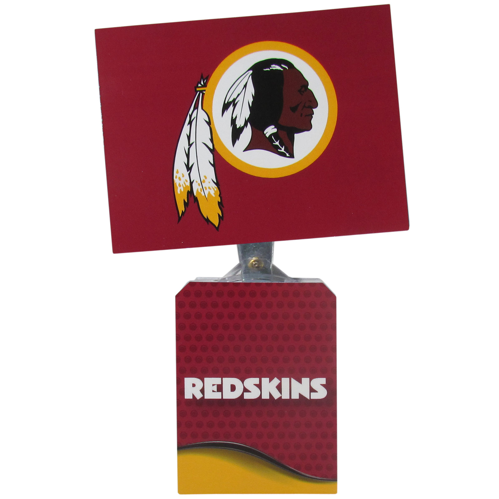 Washington Redskins Solar Flags - Get pumped up on the way to game with Siskiyou's Chicago Bears Washington Redskins Solar Flag that mounts to your dashboard or window. The in-motion solar flag also doubles as decoration for your tailgate or homegate! The base of the flag is 3 inches tall and the flag is 4 inches making the entire in-motion solar flag stand at 7 inches tall. Keep your spirit moving with your favorite team's Solar Flag.
