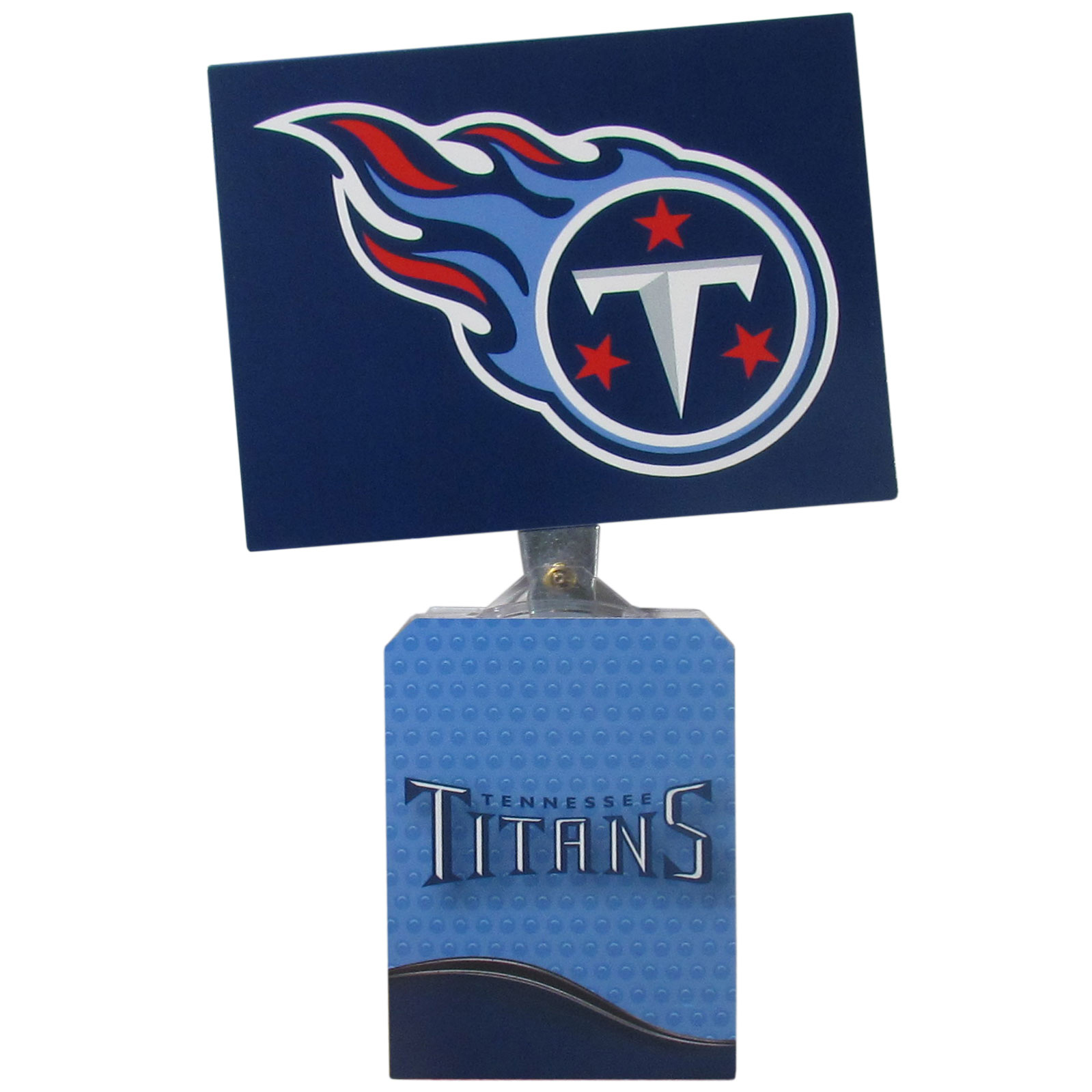 Tennessee Titans Solar Flags - Get pumped up on the way to game with Siskiyou's Chicago Bears Tennessee Titans Solar Flag that mounts to your dashboard or window. The in-motion solar flag also doubles as decoration for your tailgate or homegate! The base of the flag is 3 inches tall and the flag is 4 inches making the entire in-motion solar flag stand at 7 inches tall. Keep your spirit moving with your favorite team's Solar Flag.