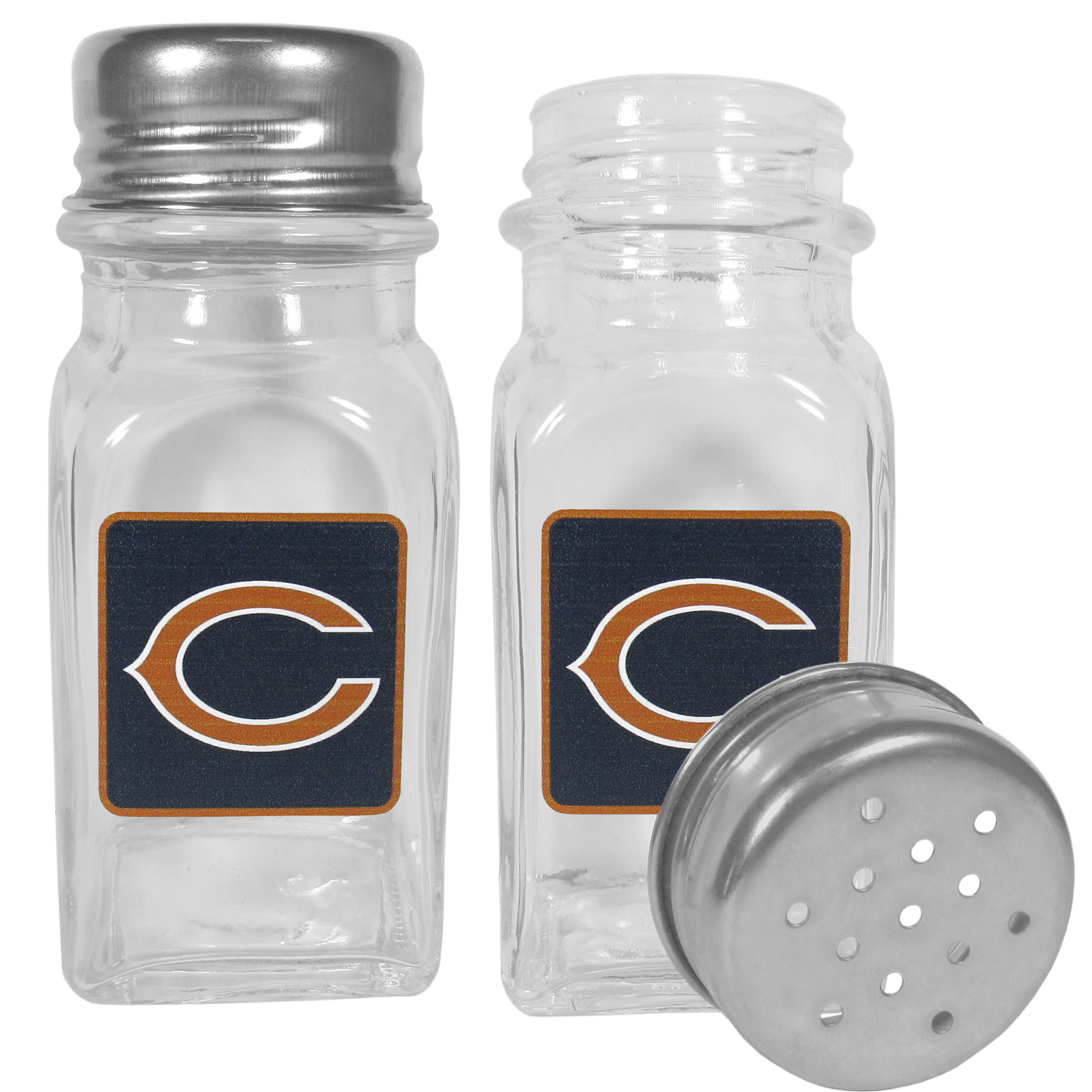 Chicago Bears Graphics Salt and Pepper Shaker - No tailgate party is complete without your Chicago Bears salt & pepper shakers featuring bright team logos. The diner replica salt and pepper shakers are glass with screw top lids. These team shakers are a great grill accessory whether you are barbecuing on the patio, picnicing or having a game day party.