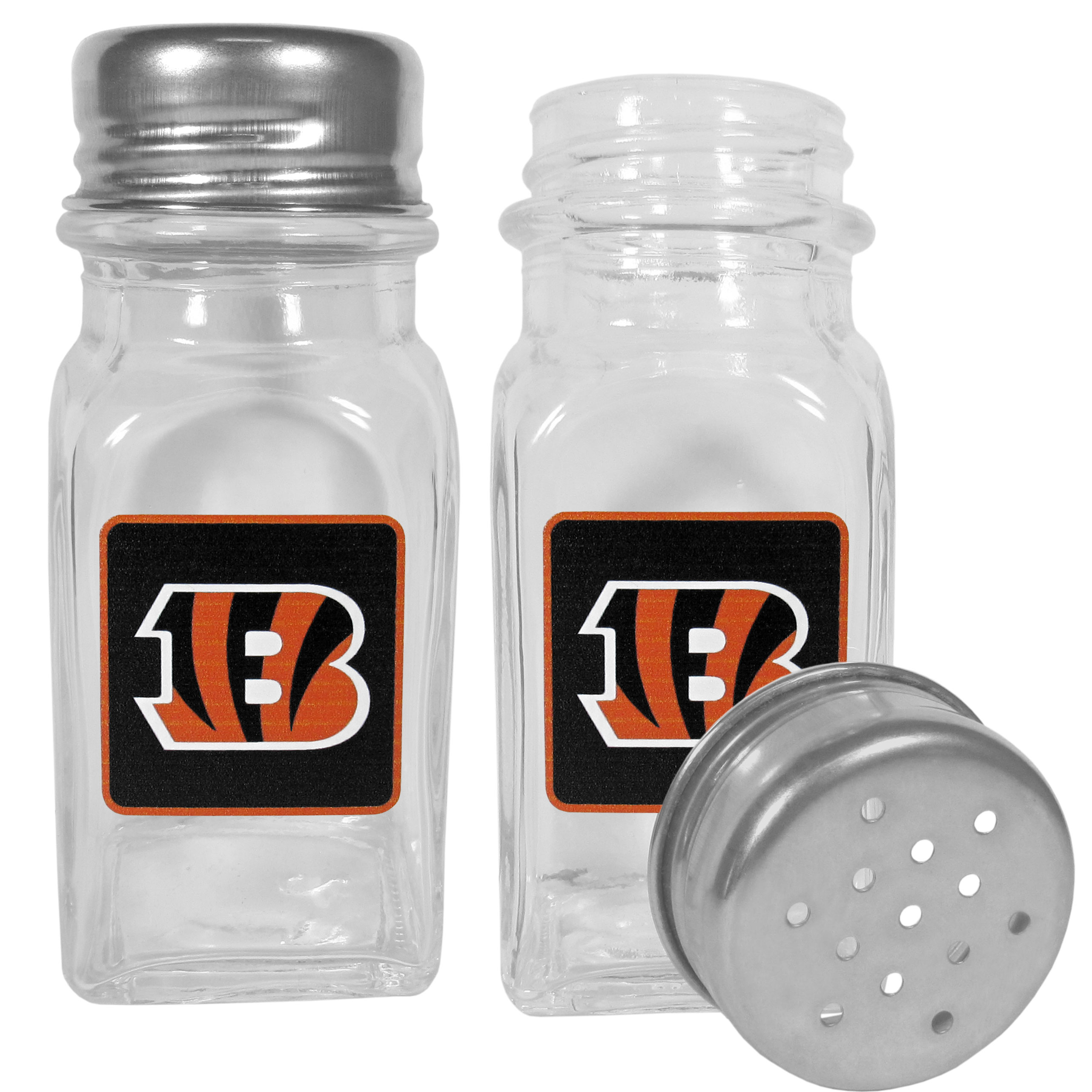 Cincinnati Bengals Graphics Salt & Pepper Shaker - No tailgate party is complete without your Cincinnati Bengals salt & pepper shakers featuring bright team logos. The diner replica salt and pepper shakers are glass with screw top lids. These team shakers are a great grill accessory whether you are barbecuing on the patio, picnicing or having a game day party.