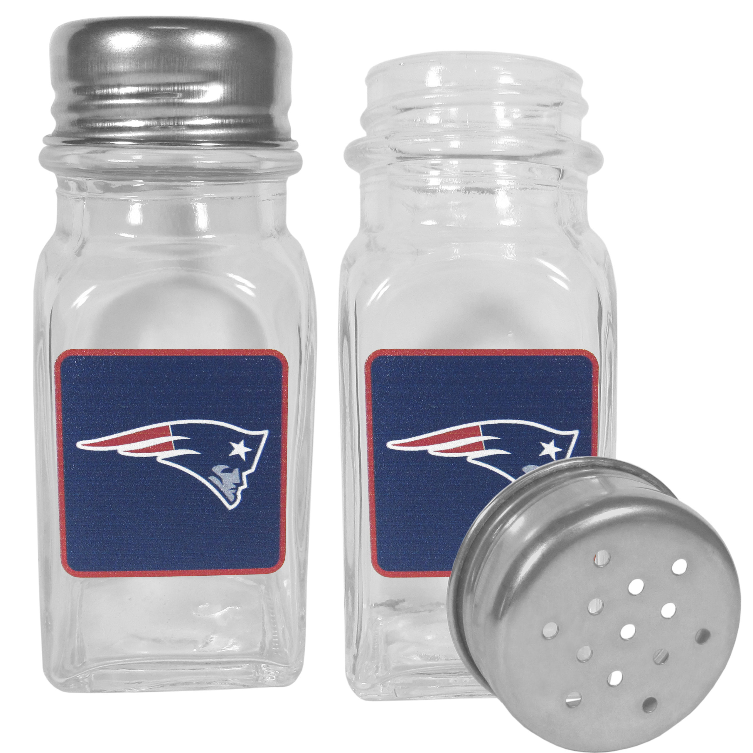 New England Patriots Graphics Salt & Pepper Shaker - No tailgate party is complete without your New England Patriots salt & pepper shakers featuring bright team logos. The diner replica salt and pepper shakers are glass with screw top lids. These team shakers are a great grill accessory whether you are barbecuing on the patio, picnicing or having a game day party.