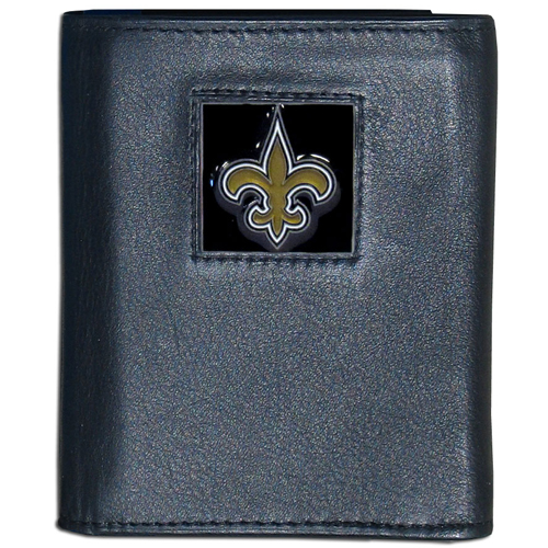 New Orleans Saints NFL Leather and Nylon Trifold Wallet - Officially licensed New Orleans Saints NFL collectors leather/nylon tri-fold wallet features a sculpted and hand painted New Orleans Saints square on a black leather trifold wallet. Includes an ID window, slots for credit cards and clear plastic photo sleeves. For a sporty feel, the liner of the New Orleans Saints NFL Leather and Nylon Trifold Wallet is made of high quality nylon. Officially licensed NFL product Licensee: Siskiyou Buckle Thank you for visiting CrazedOutSports.com