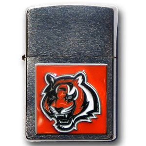Large Emblem NFL Zippo - Cincinnati Bengals - Show off your team spirit with our new larger-emblem Zippo Lighters. All of our emblems are made from expertly crafted, three-dimensional pewter. Check out our wide selection of  Zippo Lighters! Officially licensed NFL product Licensee: Siskiyou Buckle .com