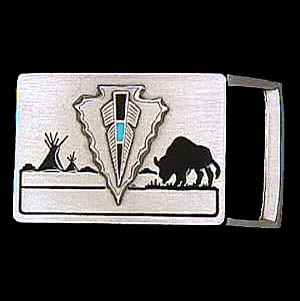 "Belt Buckle - Arrowhead (1 1/4"") - This finely sculpted and enameled belt buckle contains exceptional 3D detailing. Siskiyou's unique buckle designs often become collector's items and are unequaled with the best craftsmanship.  The smaller size is perfect for thinner belts."