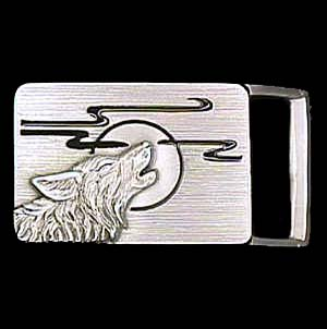 "Belt Buckle - Wolf Head (1 1/4"") - This finely sculpted and enameled belt buckle contains exceptional 3D detailing. Siskiyou's unique buckle designs often become collector's items and are unequaled with the best craftsmanship.  The smaller size is perfect for thinner belts."