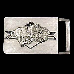 "Belt Buckle - Buffalo (1 1/4"") - This finely sculpted and enameled belt buckle contains exceptional 3D detailing. Siskiyou's unique buckle designs often become collector's items and are unequaled with the best craftsmanship.  The smaller size is perfect for thinner belts."